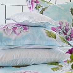 So pretty.  Feels like spring! Time to for new #sheets Designers Guild - Fabrics & Wallpaper Collections, Furniture, Bed and Bath, Paint, and Luxury Home Accessories