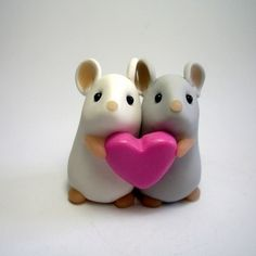 Fimo models / couple shared by Linda on We Heart It Cute Polymer Clay, Polymer Clay Animals, Cute Clay, Polymer Clay Miniatures, Fimo Clay, Polymer Clay Projects, Polymer Clay Charms, Polymer Clay Creations, Clay Crafts