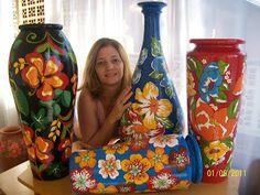 Flor de Chita Atelier: CHITA                                                                                                                                                                                 Mais Pottery Painting, Ceramic Painting, Ceramic Art, Vase Crafts, Felt Crafts, Chalk Paint Colors, Decoupage Vintage, Diy Arts And Crafts, Felt Art
