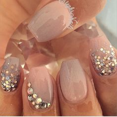Having short nails is extremely practical. The problem is so many nail art and manicure designs that you'll find online Get Nails, Fancy Nails, Love Nails, Hair And Nails, How To Do Nails, Bride Nails, Prom Nails, Wedding Nails, Glitter Wedding