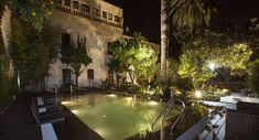 Occupying a 16th-century palace in the heart of of Córdoba, this luxury boutique hotel is set in an old palace manor characterized by its grand size and limestone structure, surrounding 4 Andalucian courtyards adorned with flowers, fruit trees, aromatic plants and an outdoor pool.