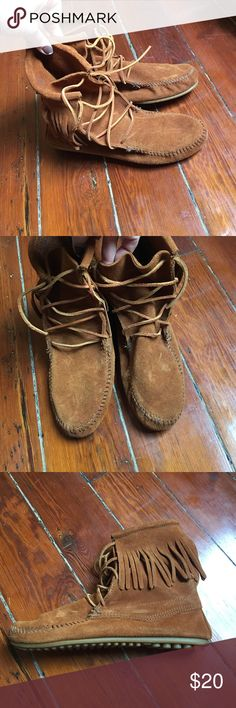 Light brown moccasins with fringe! Never worn! Light brown moccasin minnetonkas. Never worn! Minnetonka Shoes Moccasins