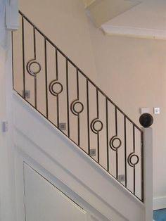Merdiven korkuluk Indoor Stair Railing, Modern Staircase Railing, Wood Railings For Stairs, Modern Stair Railing, Wrought Iron Stair Railing, Stair Handrail, Staircase Design, Staircases, Steel Railing Design
