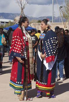 Native American Wisdom, Native American Clothing, Native American Regalia, Native American Beauty, Native American Photos, American Indian Art, Native American History, American Apparel, Sioux