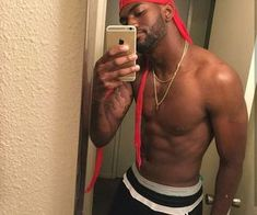 Image in Favorite 💞🌈🧡 collection by DA DON 💕🐉 Hot Black Guys, Fine Black Men, Gorgeous Black Men, Cute Black Boys, Handsome Black Men, Fine Men, Beautiful Boys, Pretty Boys, Handsome Guys