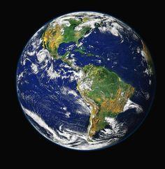 ) A distancia do sol é de km , diâmetro é de a temperatura máxima é 15 c , a Terra ocupa no sistema solar é o terceiro. Vinicius e gabielly Planet Earth From Space, Small Planet, Custom Wall, Earth Day, Earth Month, Earth Hour, Outer Space, Mother Earth, Climate Change