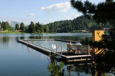 Das ganzjährig beheizte See-Bad: Hier können Sie Sommer wie Winter schwimmen. Auch die atemberaubende Aussicht lädt zum Verweilen ein. Hotels, Austria, Winter, Mountains, Swimming, Woodland Forest, Summer, Homes, Winter Time