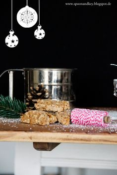 Weihnachtsplätzchen Rezepte, Lebkuchen Cantuccini, Plätzchen backen, spoon and key