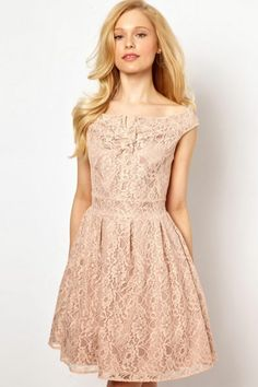 LOVE lace. Obsessed with lace. Lace has to be in my dress. - leeann