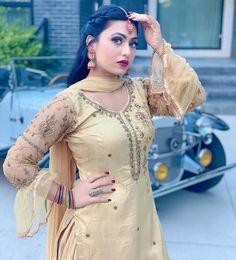 Girl Photo Poses, Girl Poses, Erica Fernandes Hot, Girls School Hairstyles, Patiala Suit Designs, Shotgun Wedding, Dress Indian Style, Beautiful Girl Indian, Beauty Full Girl