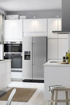 What could be better than a brand new kitchen? One that you design yourself! IKEA SEKTION kitchens allow you to select everything from the cabinets, like these white cabinets, to the hinges and the drawers.