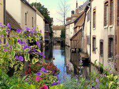 Montargis ~ Loiret #chambre d'hotes  #chateauneuf sur Loire #Loiret French Countryside, Chateauneuf, Abandoned, Architecture Design, Barcelona, Spain, Journey, Destinations, Places To Visit