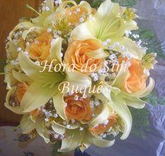 Buquê de noiva em lírios e rosa laranja