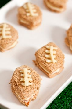 The Frosted Petticoat: Tailing the Gator - Football sandwiches Nfl Party, Sports Party, Rugby, Party Sandwiches, Finger Sandwiches, Football Food, Gator Football, Snack Recipes, Snacks