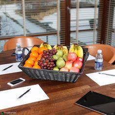 Kontorkurv Stor - firmafrugt københavn. Denne store frugtkurv er bare én i rækken af de mange frisk bud på en altid frisk og stabil firmafrugt, firmafrugtordning til virksomheden. Se denne og mange andre frugtkurve på: www.frugtkurven.dk/firmafrugt/