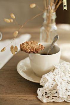 Galletas de almendras / Almond biscuits
