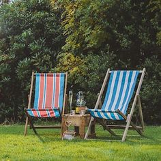 Our vintage deckchairs are a perfect way for your wedding guests to relax with some champagne