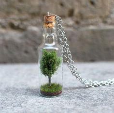 Tree in a Bottle Necklace Tiny Tree and Grass in a by RaineDesign (Diy Necklace Bottle) Bottle Jewelry, Bottle Charms, Bottle Necklace, Bottle Art, Tree Necklace, Mini Glass Bottles, Glass Vials, Small Bottles, Bottles And Jars