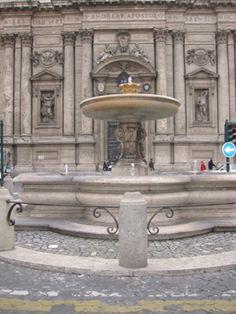 Fontana della piazza di San'Andrea della Valle  : fu commissionata a Carlo Maderno (1556-1629) da papa Paolo V Borghese .