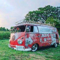 Classic Car News Pics And Videos From Around The World Volkswagen Transporter, Volkswagen Bus, Vw T1, Vw Camper, Vans Vw, Volvo Wagon, Rat Look, Vw Vintage, Combi Vw