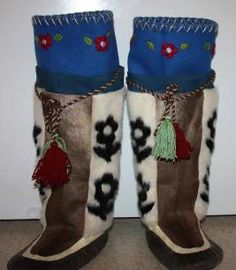 Inuit made women's caribou & sealskin kamiks by Mary Battye for SALE