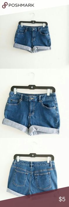 """Stretch High Waist Shorts Liz Claiborne WAIST - 27/28 HIPS - 38/42"""" RISE - 13""""  high waist LENGTH UNROLLED - 15"""" STRETCH - very good MATERIAL - cotton, spandex HEM- hand cut, frayed  13"""" rise and up is considered high waist, please measure yourself  These are more a size 4/5 listed as such, disregard tag size, these have fabric stretch marks, can't see when on  *I ship everyday except for Sunday Liz Claiborne Shorts Jean Shorts"""