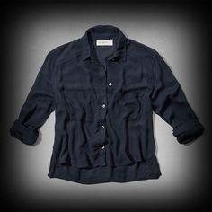 アバクロ レディース シャツ  Abercrombie&Fitch Natalie Cropped Shirt シャツ★シンプルなので1枚持っておくととっても便利。 ★ビスコース-100%で肌ざわり着心地バツグンのシャツ。