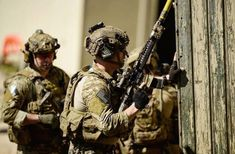 Kerry: Iraq briefed on US special forces plan Military Police, Military Weapons, Tactical Life, Tactical Gear, Camouflage, Special Forces Gear, 75th Ranger Regiment, Green Beret, Herve