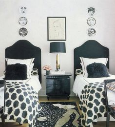 cute stylish small room with twin beds