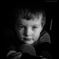 Monocrome Resonance is a personal world of perseption and monocrome Expressions. Portraits, Face, Head Shots, The Face, Portrait Photography, Faces, Portrait Paintings, Headshot Photography, Portrait