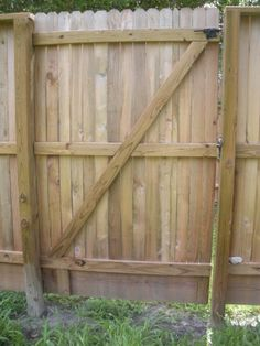 how to build a wooden side yard gate