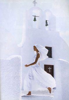 Claudia Mason by photographer Patrick Demarchelier for Harper's Bazaar 1992 __
