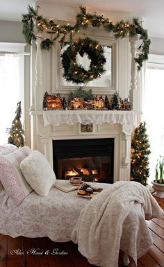 Relaxing Christmas tea time by the fireplace * sigh* ♥