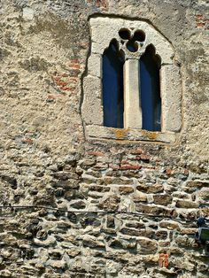 Medieval window... at least that's what the caption says...