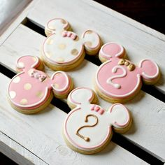 Theme Mickey, Minnie Mouse Theme Party, Minnie Mouse Baby Shower, Minnie Birthday, 2 Year Old Birthday Party Girl, Girls Birthday Party Themes, Girl Birthday, Birthday Ideas, Mini Mouse Cookies