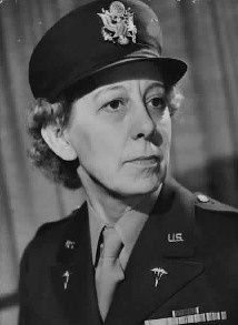 Lt annie g fox was the first woman to receive the purple heart for