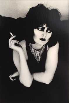 Siouxsie Sioux photographed by Anton Corbijn. °