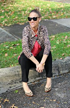 A pair of Gap twill pants as featured on the blog Pop of Style.
