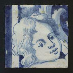 Tegel uit tegeltableau van aardewerk met tinglazuur voorstellende een engelenkopje, Portugal, ca. 1700-1800 | Collectie Gelderland