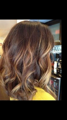 Brown, caramel and blonde tones with a perfect Bob #hair2015 #trend #Bob