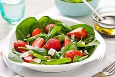 Strawberry Spinach Salad with Creamy Greek Yogurt Dressing - Voskos® Simple Spinach Salad, Spinach Salad Recipes, Spinach Strawberry Salad, Strawberry Recipes, Greek Yogurt Dressing, Whole Food Recipes, Vegan Recipes, Greek Yogurt Recipes, Snacks Saludables