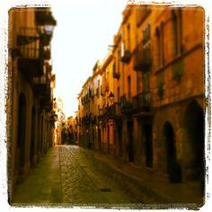 by @montblancmedieval #montblancmedieval #Tarragona #Montblanc #Catalunya #Cataluña #Catalonia #Catalogne #turisme #tourisme #turismo #tourism #trip #travel #viatjar #viatge #viajar #viaje #urban #urbano #urbà #street #calle #carrer #arquitectura #architecture #street_photography