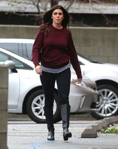 Jamie-Lynn Sigler Photos: Jamie-Lynn Sigler Stopping By An Office In Studio City