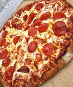 Junk Food Satisfy Your Food Cravings Here. Think Food, I Love Food, Good Food, Yummy Food, Yummy Yummy, Yummy Lunch, Yummy Snacks, Comida Delivery, Comida Pizza