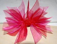 How to make a spiky organza bow