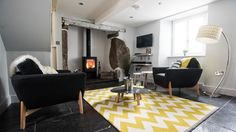 Traditional Cornish meets 60's pop art at stylish Keigwin Cottage #popart #geometric #yellow #cottage #boutique