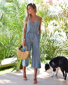 Love this cute striped jumpsuit. Jumpsuit Outfit, Dress Outfits, Casual Outfits, Fashion Dresses, Casual Dresses, Marine Look, Pinterest Fashion, Look Chic, Mode Outfits