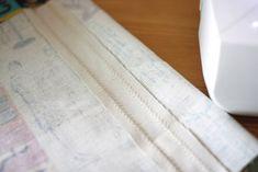 A step-by-step tutorial with photos. Sewing Hacks, Sewing Tutorials, Sewing Crafts, Sewing Projects, Hobo Bag Tutorials, Hobo Bag Patterns, Clothespin Bag, Diy Fashion Hacks, Diy Tote Bag