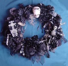 SALE Voodoo Hoodoo Elegantly Creepy Macabre Gothic Spooky Wreath Ready To Ship Voodoo Halloween, Cute Halloween, Christmas Music Playlist, Voodoo Hoodoo, How To Make Wreaths, Macabre, Halloween Decorations, Creepy, Gothic