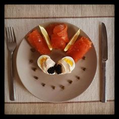 salmon with lemon, eggs, caviar and capers <3